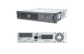 APC Smart-UPS RM 1000VA USB & Serial - UPS ( montaje en bastidor ) - CA 230 V - 670 vatios - 1000 VA - 4 conector/es de salida - 2U