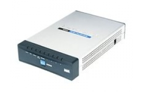 Cisco Small Business RV042 Dual WAN VPN Router - Encaminador + conmutador de 4 puertos - Ethernet, Fast Ethernet - externo